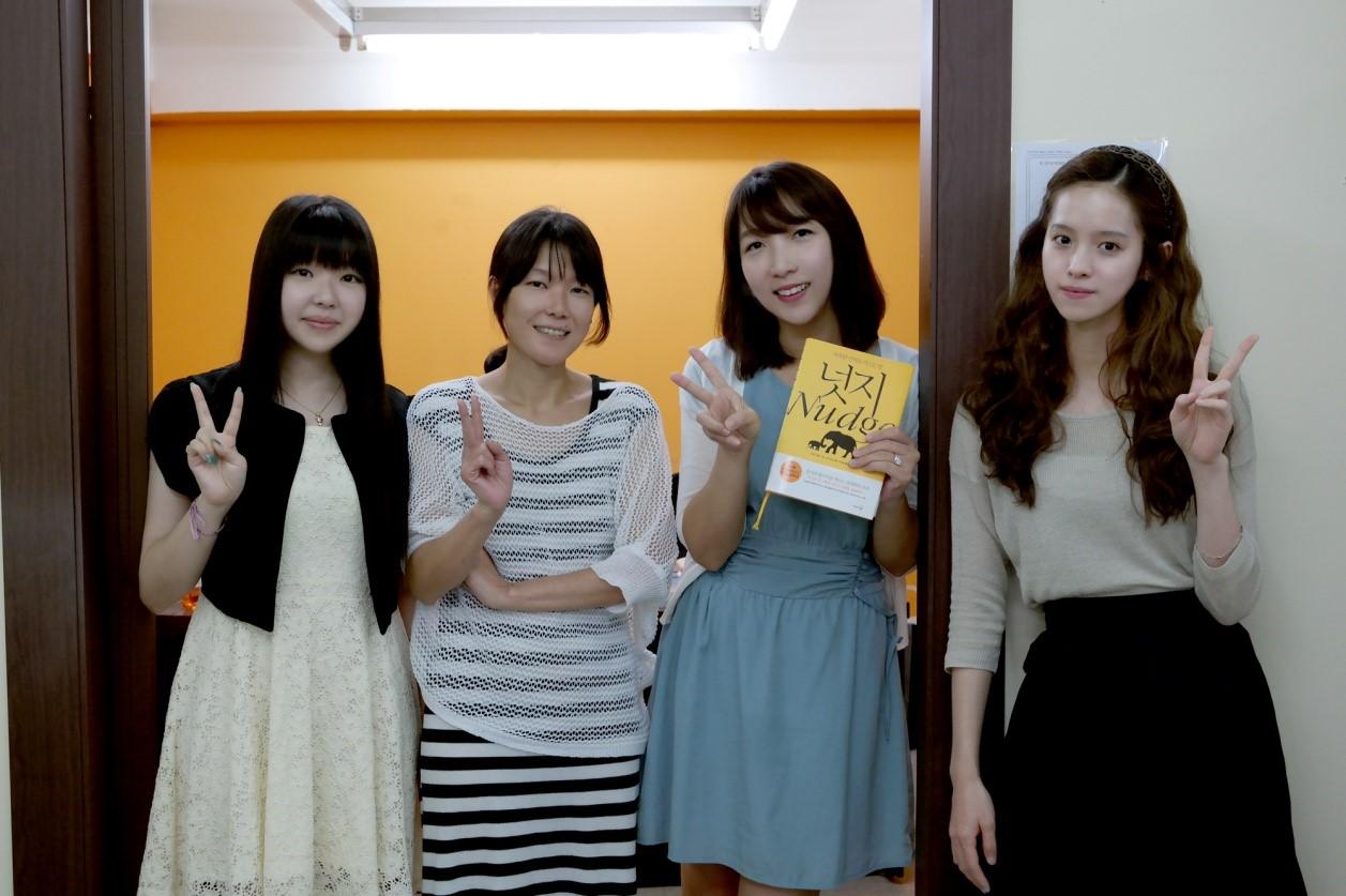(왼쪽부터 정인지 매니저, 이정주 부장, 조은영 대표, 김유진 매니저)