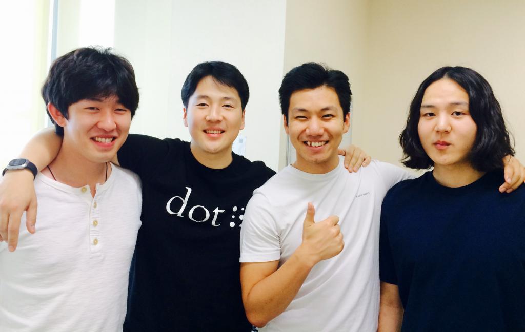왼쪽부터 주재성 리드 디자이너, 김주윤 대표, 성기광 CTO, 임주환 소프트웨어 dev
