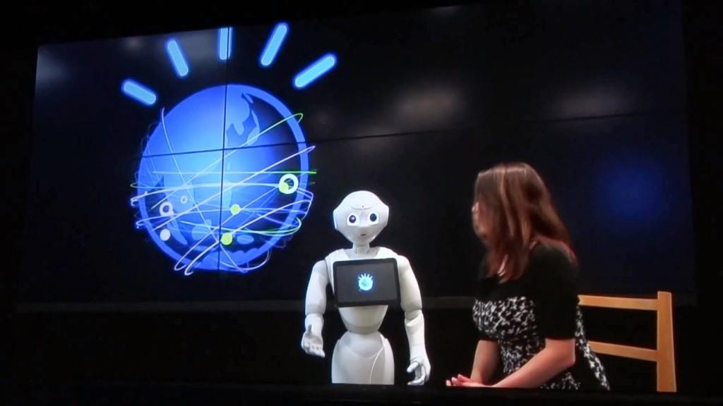 왓슨은 소프트뱅크의 페퍼 로봇과 협업 중이다.  흥미로운 결과가 나올 것으로 예상된다.