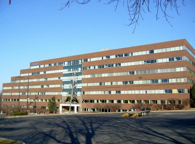 라이코스 본사가 있던 Waltham의 빌딩. 회사가 잘 나가던 90년대말에는 저 건물 전체를 다 썼는데 내가 갔던 2009년에는 규모를 많이 줄여서 3층만 쓰고 있었다.