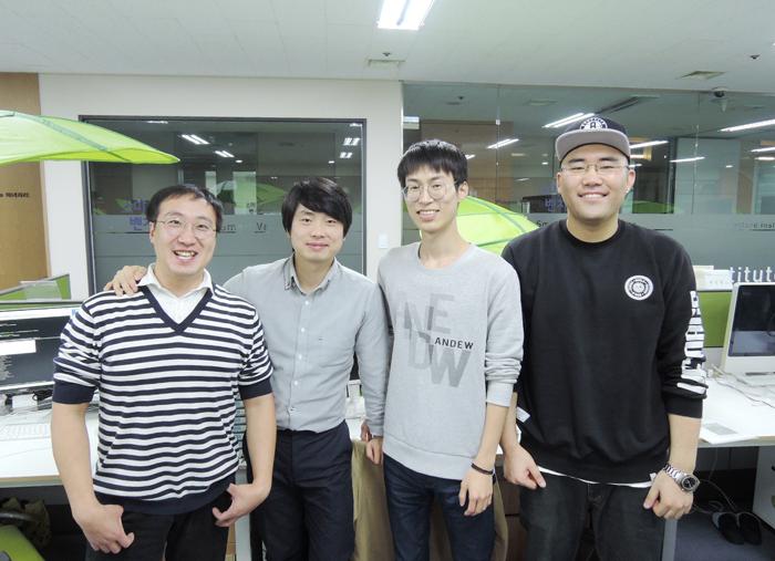 '(주)라이앤캐처스'의 구성원들. 왼쪽부터 최규남 기술이사(36), 허윤 대표(35), 전주영 사원(28), 김덕중 이사(30).