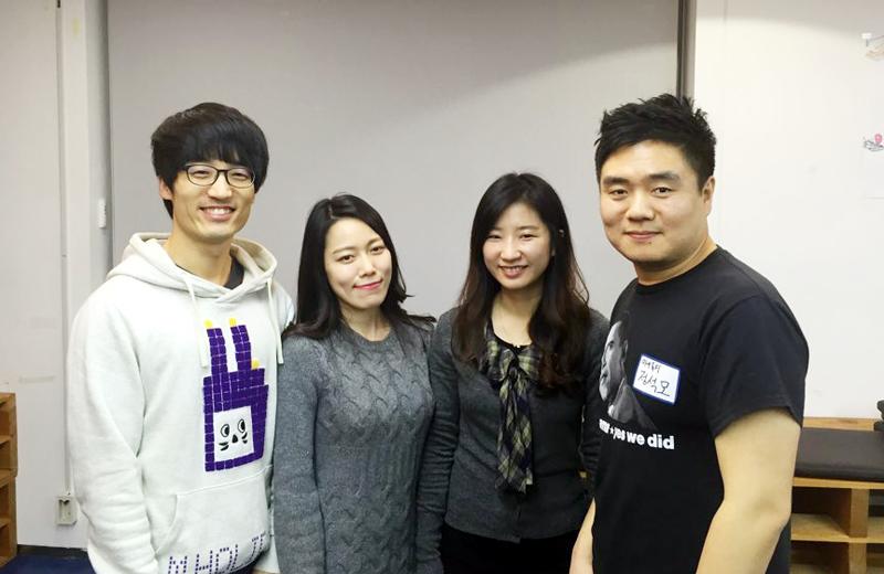 (주)포휠즈(4wheels) 공동창업자들. 왼쪽부터 이준하 개발이사(33), 김아현 디자인이사(33), 이윤주 개발이사(29), 정석모 대표(35).