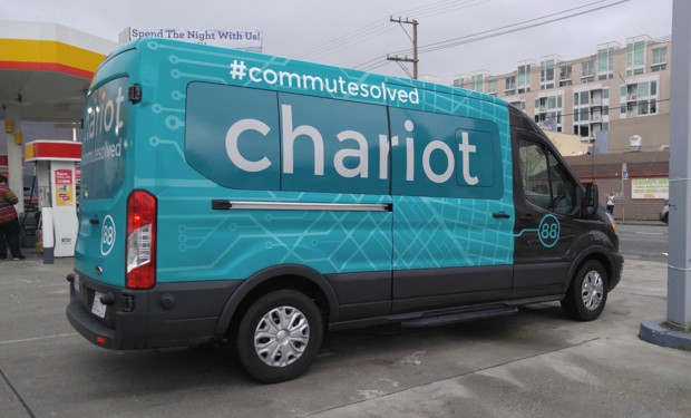 사진설명 : 샌프란시스코에는 이미 콜버스와 유사한 형태인 '채리엇버스'가 활발하게 운행되고 있다. 스마트폰앱으로 신청해서 타는 버스다.