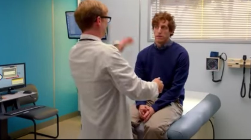 미국병원에서 의사에게 진찰받는 모습은 대충 이런 분위기다. 사진은 HBO미드 실리콘밸리의 한 장면.