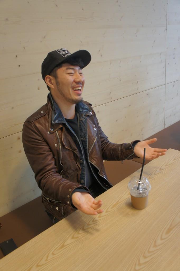 밝게 웃고 있는 와즐 김희종 대표.