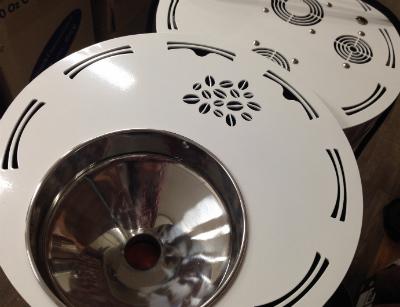 커피원두모양의 환풍구가 인상적인 에스트리니타의 윗부분